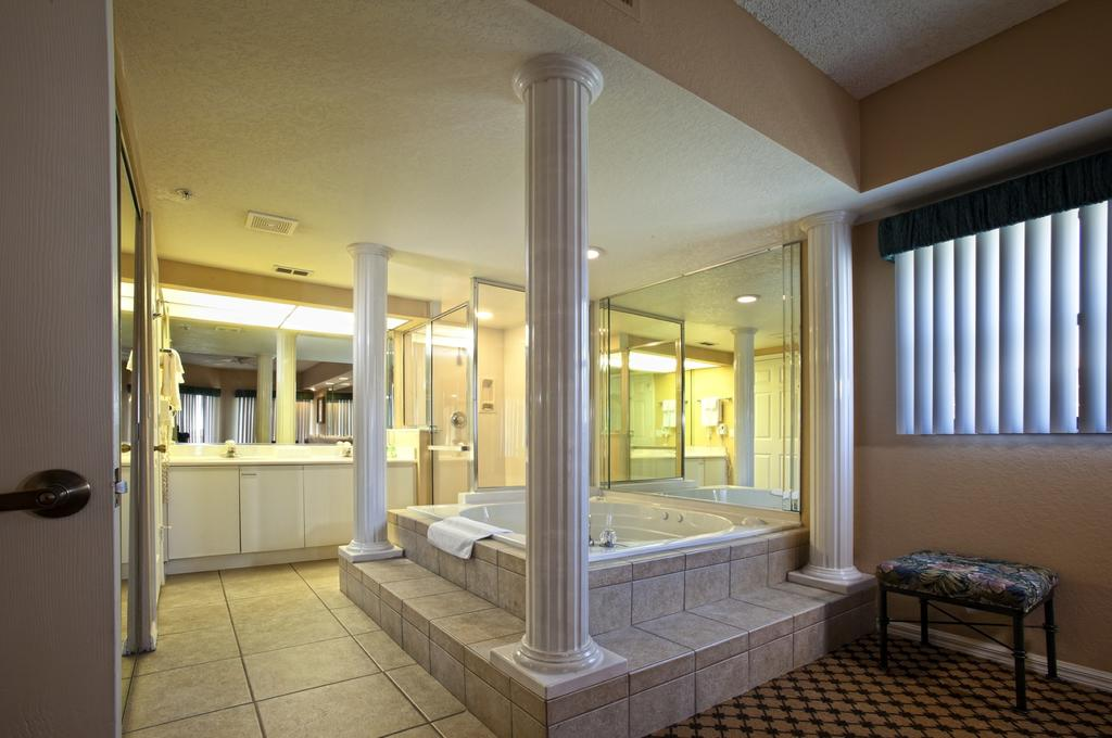 Westgate Lakes Resort & Spa Orlando, FL bathroom