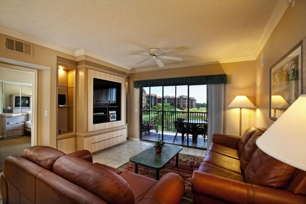 Westgate Lakes Resort & Spa Orlando, FL living area