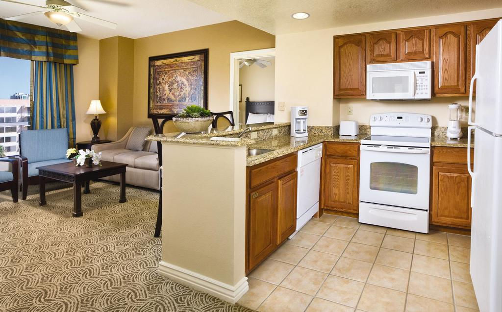 Wyndham Grand Desert Las Vegas, Nevada kitchen and living area