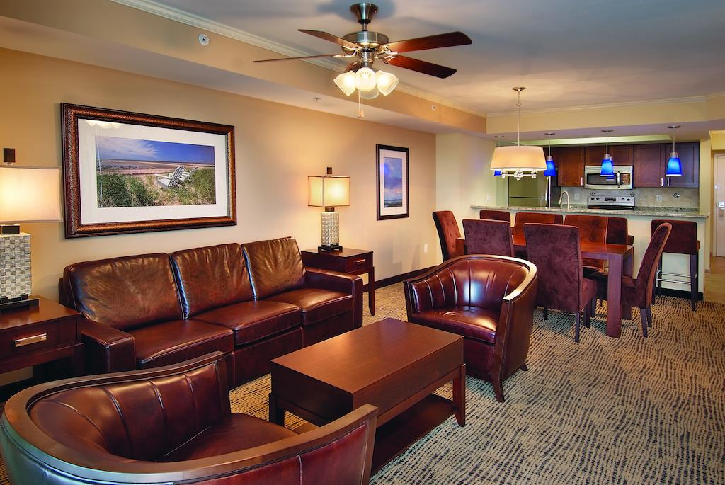 Wyndham Vacation Resorts Towers on the Grove Myrtle Beach, SC living and dining area
