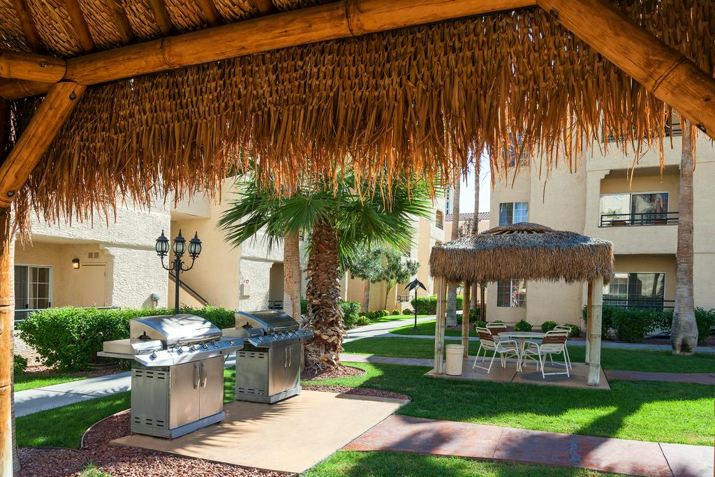 Holiday Inn Club Vacations at Desert Club Resort Grilling Area