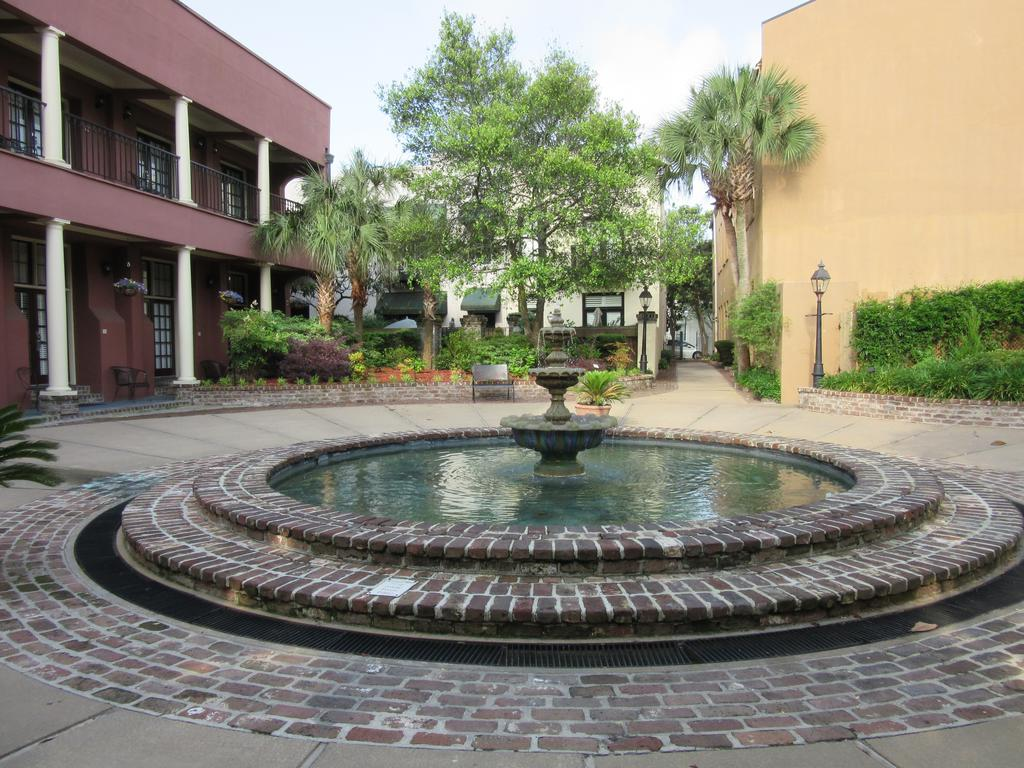 The Lodge Alley Inn Fountain