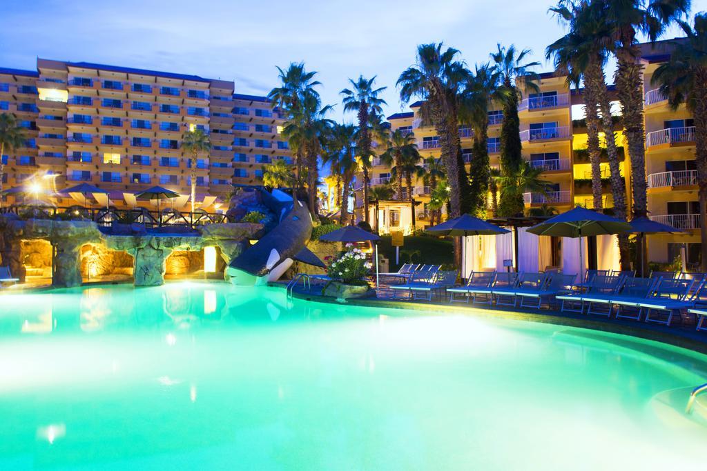 Villa del Palmar Beach Resort & Spa Pool