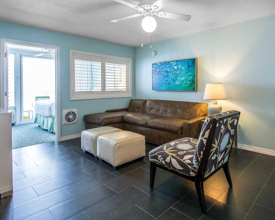 Bluegreen Vacations Daytona Seabreeze, Daytona FL living area