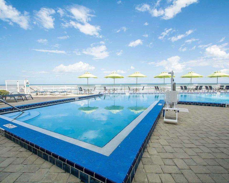 Bluegreen Vacations Daytona Seabreeze, Daytona FL pool