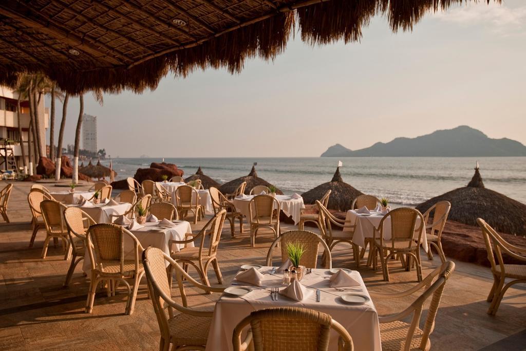 El Cid El Moro Beach Mexico resort dining 2