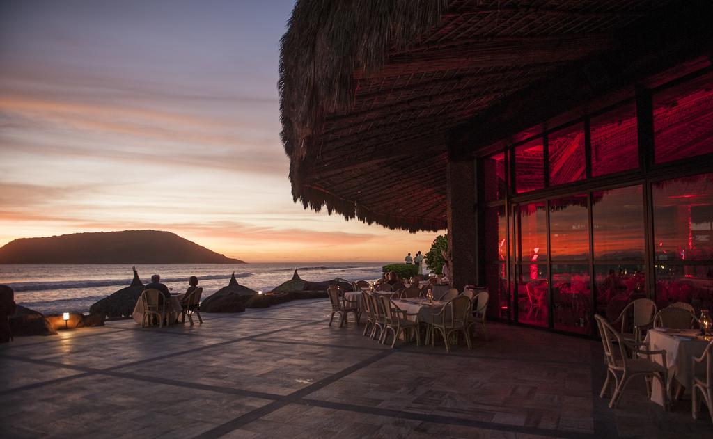El Cid El Moro Beach Mexico resort dining