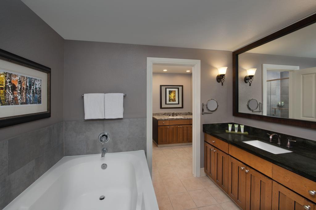 Marriott's MountainSide Park City, UT bathroom