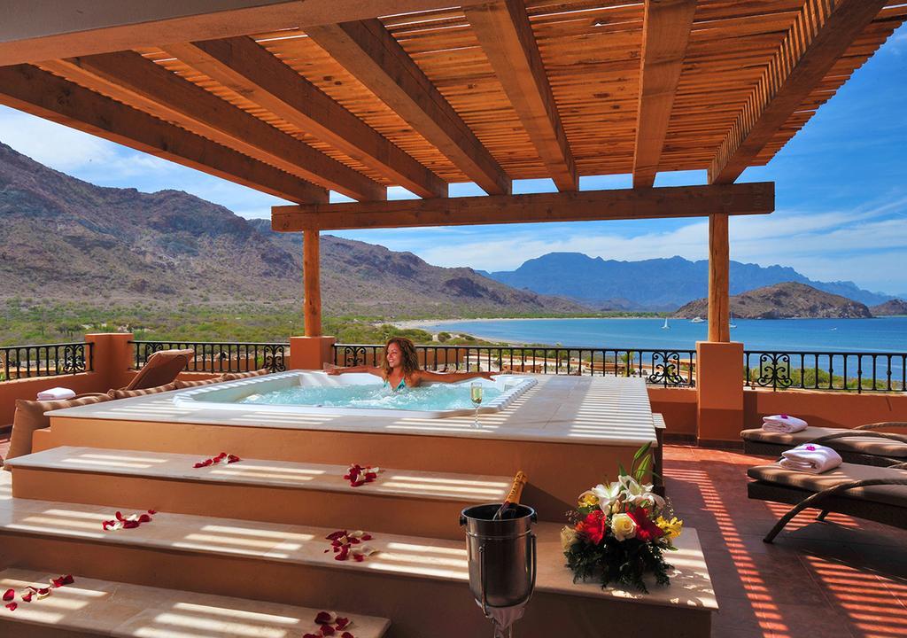 Villa del Palmar at the Islands of Loreto Hottub